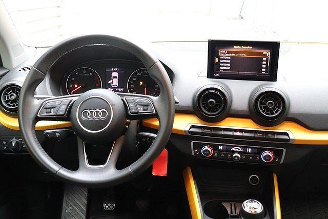 Audi Q2 1.0 TFSI sport PDC,LM19,LED