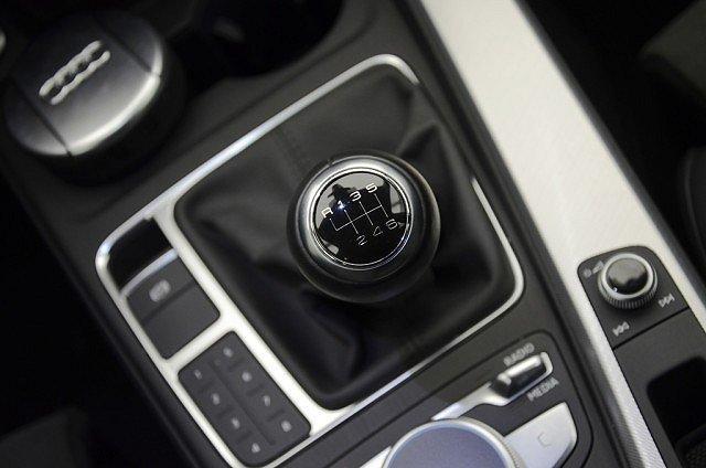 Audi A4 allroad quattro Avant 2.0 TDI R ckkam/Alcantara