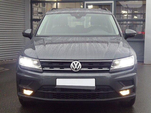 Volkswagen Tiguan - Comfortline TSI +17 ZOLL+AHK+ACC+LED+DAB