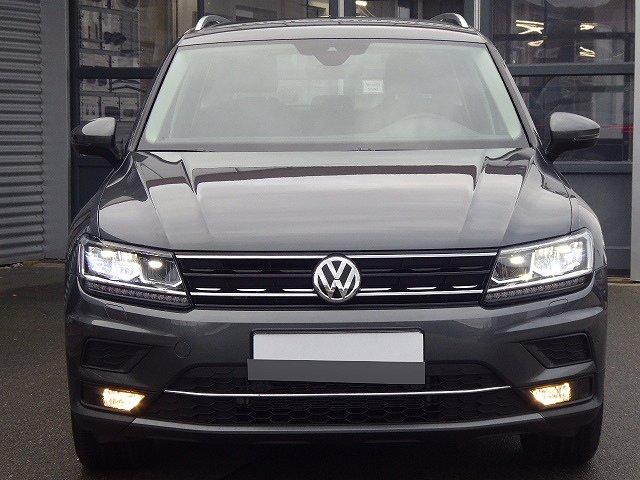 Volkswagen Tiguan - Highline TSI DSG +18 ZOLL+NAVI+DAB+SPURHA