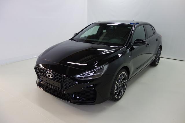 Lagerfahrzeug Hyundai i30 - N Line 1.5 T-GDI 48V-Hybrid 6-Gang iMT 117 kW, Navigationssystem, Rückfahrkamera, Smart-Key, Spurfolgeassistent, e-Call (Notrufsystem), 18 Zoll Leichtmetallfelgen, Fernlichtassistent, LED-Abblendlicht, Dachreling uvm