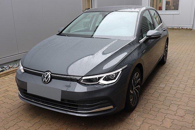 Volkswagen Golf - VIII 1.5 TSI Style Navi,LED,Pano,DCC,