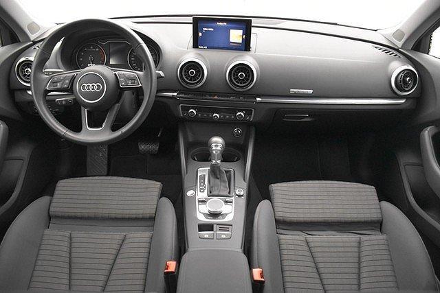 Audi A3 Sportback 30 g-tron S-tronic Sport