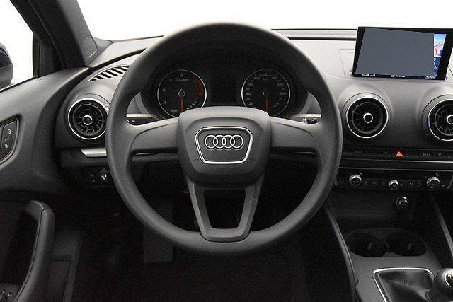 Audi A3 Limousine 30 TDI Navi/Sitzhzg.