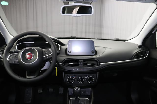 Fiat Tipo SW Lounge 1,4 120PS E6D 5TÜRIG Lit Papiere+COC Schwabhausen 23.03. C.L. 249 Gelato Weiß 645 Dunkle Farben mit Einsätzen in Schwarz und Doppelnaht