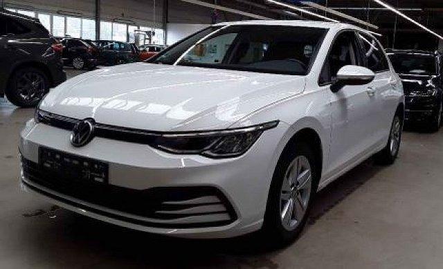 Volkswagen Golf - 8 VIII 2.0 TDI DSG Life ACC/Navi
