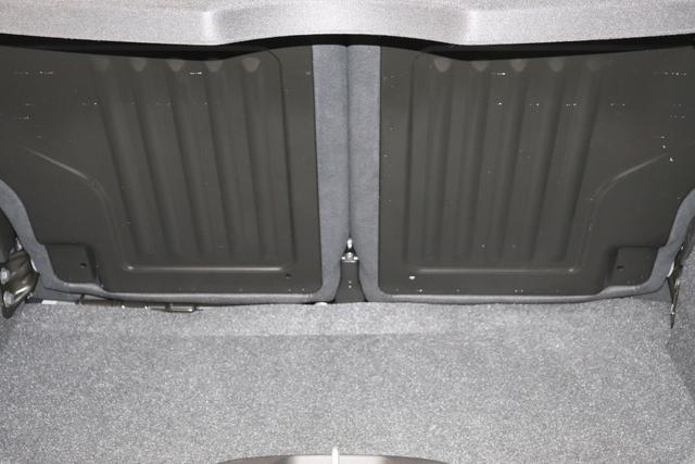 """595 MY20-Competizione 1.4 T-Jet 132 KW (180PS)708 Asfalto Grau Matt 430 (4FA) - Sabelt GT Leder/Alcantara Schwarz/Grau """"06P Urban Paket 17D.Carbon Außenspiegelkappen aus Karbon (4YD) - Armaturenbrettverkleidung aus Karbon (6T1) - Spoilerlippe vorne aus Karbon (09B) 230 Bi-Xenon Scheinwerfer 4FA Sabelt GT Sitze Leder/Alcantara in Schwarz/Grau 4YG Beats® Audio Soundsystem 6GD Radioantenne in hinterem Seitenfenster 6U9 Schutz Lack Matt-Schwarz 802 Sonderlackierung 9SV Gutschrift BMC Sportluftfilter und Tankdeckel aus Aluminium"""""""