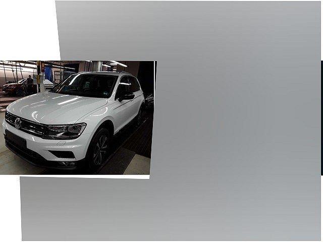 Volkswagen Tiguan - 2.0 TDI IQ.Drive ACC Navi Trailer Assist 17