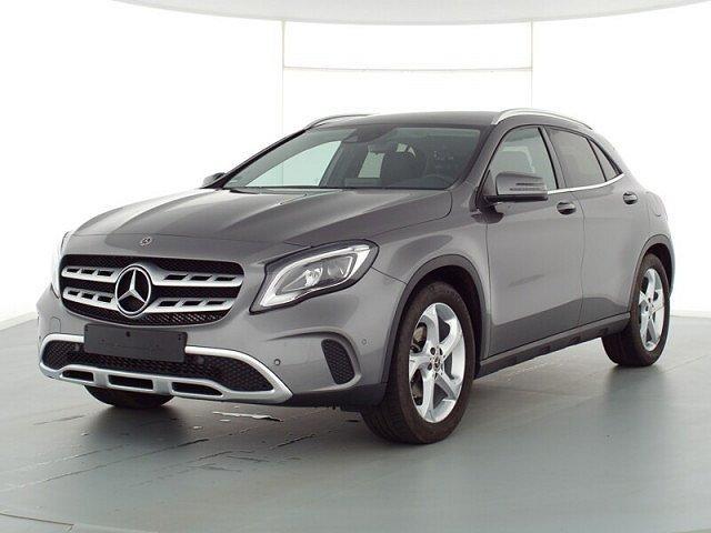 Mercedes-Benz GLA - 180 Urban AHK Navi LED Kamera SHZ PTS DAB A
