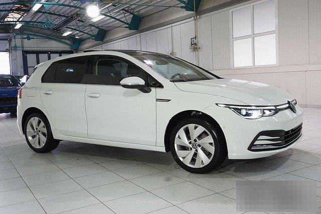 Volkswagen Golf - VIII 1,5 TSI 5T STYLE NAVI IQ-LED PANO ERGO-ACTIVE LM17