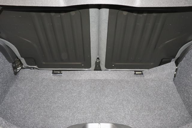 """595 MY20-Competizione 1.4 T-Jet 132 KW (180PS) E6D FINAL 369 - Podio Blau 402 - Integral-Sportsitze Leder Schwarz (Teilflächen in Lederoptik) """"06P Urban Paket 230 Bi-xenon Scheinwerfer, 4YG Beats® Audio Soundsystem 505 Kopfairbags vorne 5HM Kit Weiß 626 Verstellbarer Sitz 6GD Radioantenne In Hinterem Seitenfenster 732, Leder schwarz 83Y """"Brembo®"""" Schwarz lackiert 9SV Gutschrift Bmc Sportluftfilter Und Tankdeckel Aus Aluminium"""""""