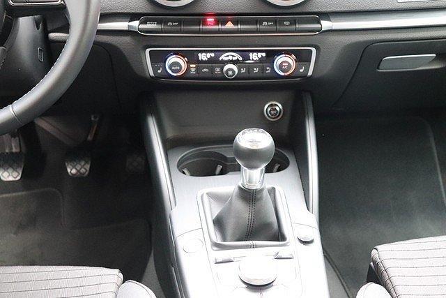 Audi A3 Sportback 1.5 TFSI sport Navi,Xenon,PDC