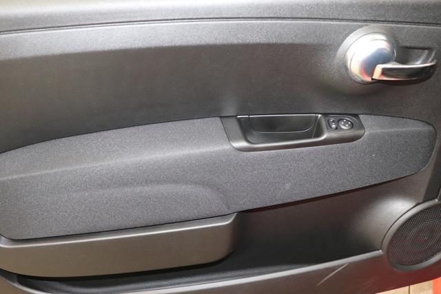 """""""595 Competizione 1.4 T-Jet 132 KW (180PS) MY20 Motordaten mit WLTP eingetragen"""" 881/0PY Abarth Rot/ DACH UND SPOILER IN SCHWARZ 583 - Rennsport Schalensitze """"Sabelt® GT"""" Stoff Schwarz/Grau """"06P Urban Paket 83Y """"Brembo®"""" Schwarz lackiert 6GD Radioantenne im hinteren Seitenfenster 4YG Beats® Audio Soundsystem 230 Bi-Xeno 505 Kopfairbags vorne"""""""