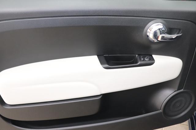 """1.0 GSE N3 500 Star BSG Hybrid 6GANG 687 Dipinto di Blu Blau """"138 Stoff """"Star"""" mit Einsätzen aus Vinyl Schwarz mit Einsatz Weiß Ambiente schwarz Farbe Türeinsatz schwarz Farbe Armaturenbrett Perla Sandweiß"""" """"140 Klimaautomatik 7QC Uconnect™ NAV Navigationssystem mit Europarkarte und digitalem Audioempfang DAB 347 Licht und Regensensor 396 Fußmatten Velour vorne sind drin ! 4VU Lederschaltknauf 070 Fensterscheiben hinten, getönt 1LR 16 Zoll mit 12 Doppelspeichen 4GF 7 Zoll TFT Display 097 Nebelscheinwerfer 508 PDC hinten """""""