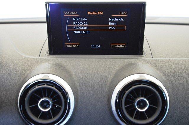 Audi A3 Limousine 1.6 TDI Ambiente Xenon/Einparkhi/Navi