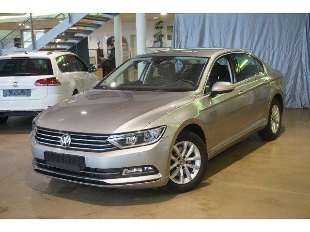 Volkswagen Passat - Comfortline 1.4TSI DSG Navi ACC SHZ PDCv+h