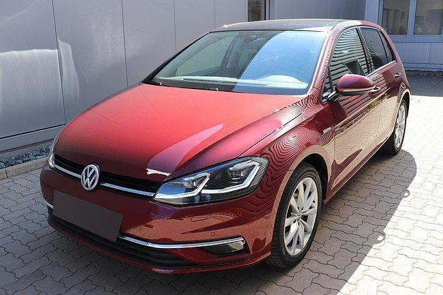 Volkswagen Golf - VII 2.0 TDI DSG Highline Navi,Pano,LED,Active