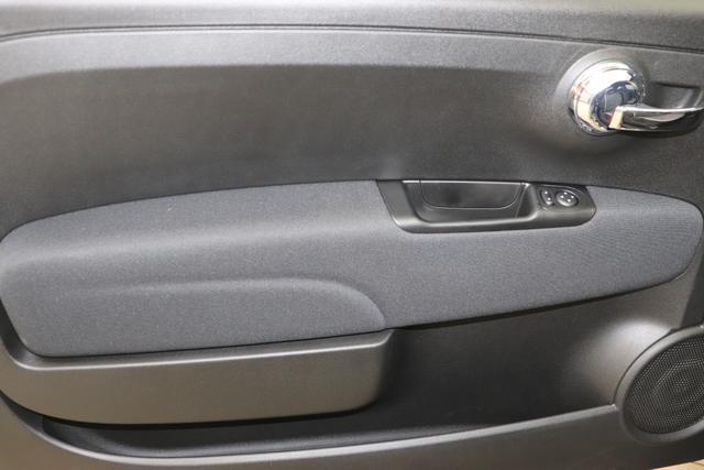 """1.0 GSE N3 500 Lounge BSG Hybrid 6GANG 876 Crossover Black 030 Stoff Prince of Wales Schwarz-Grau-Weiß/ Ambiente Schwarz / Farbe Türeinsatz Schwarz / Farben Armaturenbrett Wagenfarbe """"4MQ Sport Chrome line Lounge (Verchromte Seitenscheibenverkleidungen, verchromtes Auspuffende, verchromte Türgriffverkleidung, verchromte Stoßfängereinsätze, verchromtes Schaltzubehör) 803 Notrad 097 Nebelscheinwerfer 4M5 Seitenschutzleisten in Wagenfarbe inklusive Badges 665 Raucherpaket 06Q COMFORT PAKET (Rückbank mit geteilt umlegbarer Rückenlehne (50:50) + höhenverstellbarer Fahrersitz + Tasche auf der Rückseite des Beifahrersitzes + Fußmatten (2 Stück vorne) 508 Parksensoren hinten"""""""