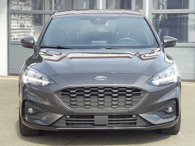 Ford Focus - ST-Line Ecoboost Automatik +LED+EASY-PARKI