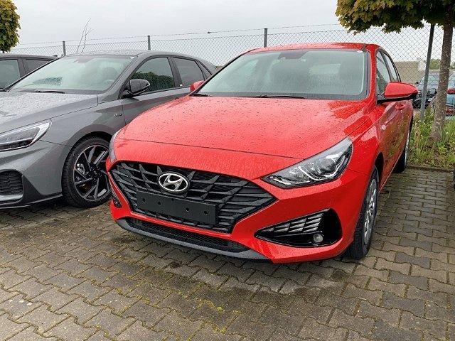 Hyundai i30 - FL 5-Türer 1.5 Benzin PURE KLIMA+FERNLICHTASSISTENT+RADIO+UVM+ Fernlichtass. Multif.Lenkrad