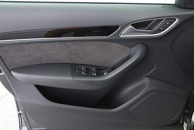Audi Q3 2.0 TDI Q Sport 2x S line Xenon Navi 20 Zoll Re