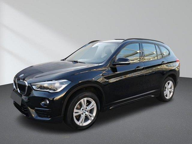 BMW X1 - sDrive18d Sport Line Navi Sitzhzg. AHK Parkassistent PDC...
