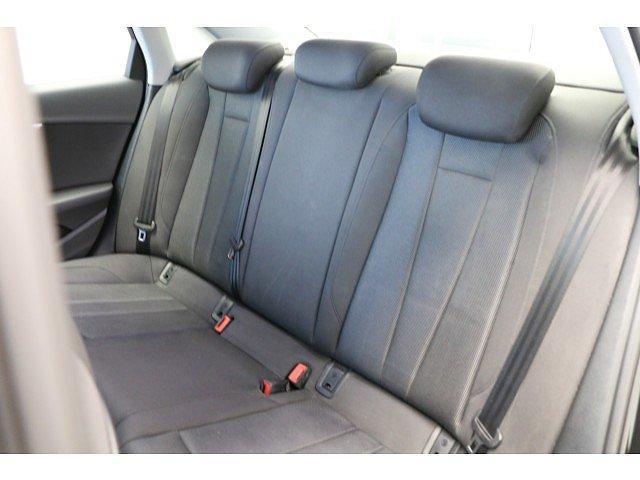 Audi A4 Limousine 2.0 TDI basis