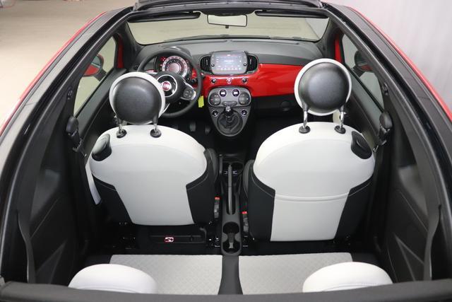 """500C DOLCEVITA 51kW (69PS) Modell 2021 -- Serie 9111 - Passione Rot 636 - Stoff """"Star"""" mit Einsätzen aus Vinyl Weiß/Schwarz, Ambiente Schwarz, Verdeck Schwarz 041, 140, 1LR, 4LA, 5CJ, 626, 8F6"""