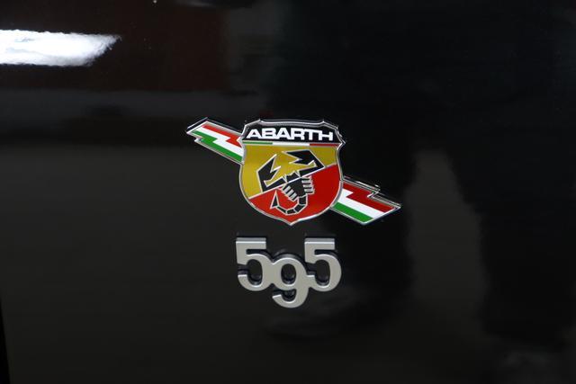"""595 serie 5 595C Competizione 1.4 T-Jet 132kW (180PS) 876 - Scorpione Schwarz 063 - Rennsport-Schalensitze """"Sabelt® GT"""" Stoff Schwarz, Verdeck Schwarz 054, 06P, 1GN, 5CE, 9SV"""