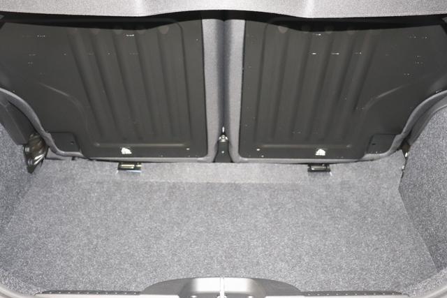"""500 MY21 1.0 GSE Hybrid SPORT 51kW (70PS)425 - Italia Blau 229 - Stoff """"Arrow Electro"""" Schwarz, Ambiente Schwarz """"06P TECH PAKET 20G SKY PAKET; - Elektrisches Glasschiebedach """"Sky-Dome""""- Verchromte Einstiegsleisten 4YG Hifi-System BEATS AUDIO 61Q Metallic-Lackierung 7QC Uconnect™ Navigationssystem mit Europakarte und 7""""""""-HD-Touchscreen, Radio, Bluetooth®-Freisprech-einrichtung, USB, DAB+ und 6 Lautsprechern 8F6 Reifenreparaturkit"""""""