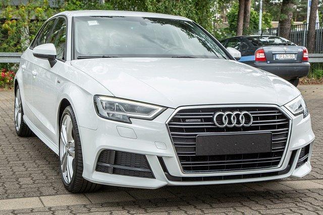Audi A3 - Sportback*S-LINE*40 TFSI*quattro S-TRO/UPE:44