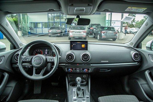 Audi A3 Sportback*S-LINE*40 TFSI*quattro S-TRO/UPE:44