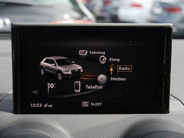 Audi Q2 30 TDI Fahrschulwagen Sport AHK DAB LED Navi
