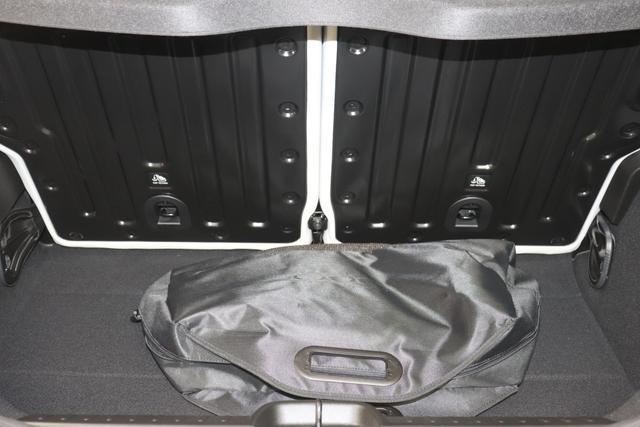 """Neuer 500 3+1 """"la Prima""""237 - Rose Gold 845 - Sitze aus Kunstleder mit Fiat Monogramm """"070 Getönte Heck- und Seitenscheiben hinten 3UP Schlüssel in Steinoptik 3UQ, 59E Panorama-Glasdach 5CF Rose Gold 6R7 Winter Paket:, Beheizbare Vordersitze (452)- Auflagefläche der Frontscheibenwischer beheizbar (253) 9YZ Stauassistent"""""""