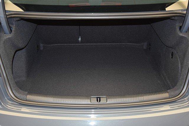 Audi A3 Limousine 30 TFSI Sport Connectivity/Glanzpaket