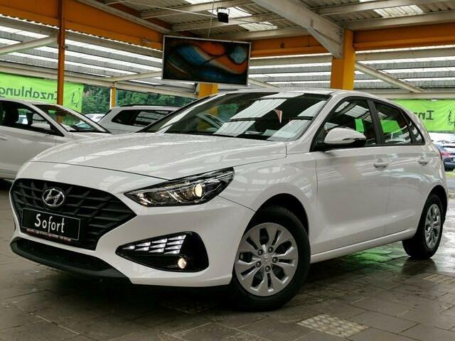 Hyundai i30 - Limo 1,5 HB Bluetooth Tempomat NSW MF-Lenkr.