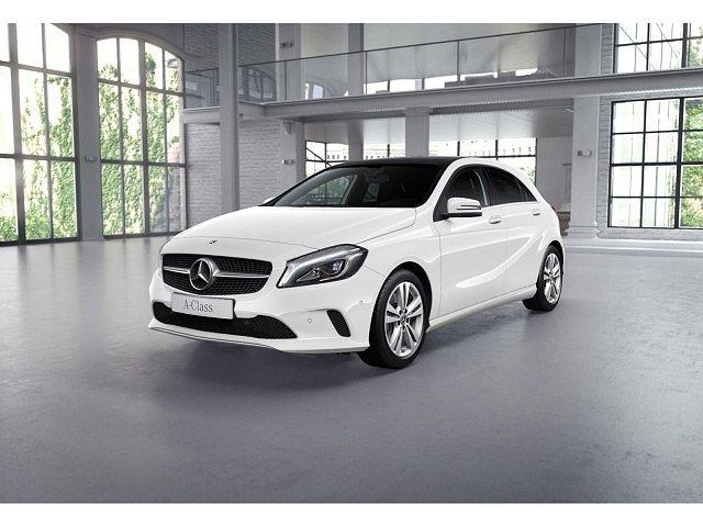 Mercedes-Benz A-Klasse - A 220 4M Urban AHK Pano Navi LED+ Kamera SHZ