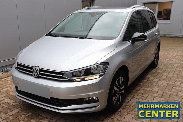 Volkswagen Touran - 2.0 TDI DSG IQ.Drive Navi,AHK,Pano