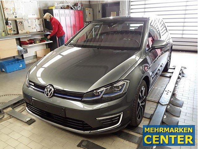 Volkswagen Golf - e-Golf BAFA faehig DAB LED ACC Kessy Sitzhzg. Dyna