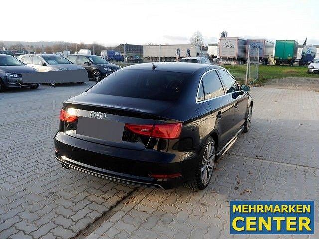 Audi A3 2.0 TDI clean diesel S-tronic S-line Navi,Xenon,LM18