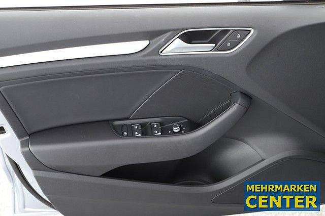 Audi A3 Limousine 30 TDI Sport 3x S line ex. Fahrschule LED Kessy 18Zoll