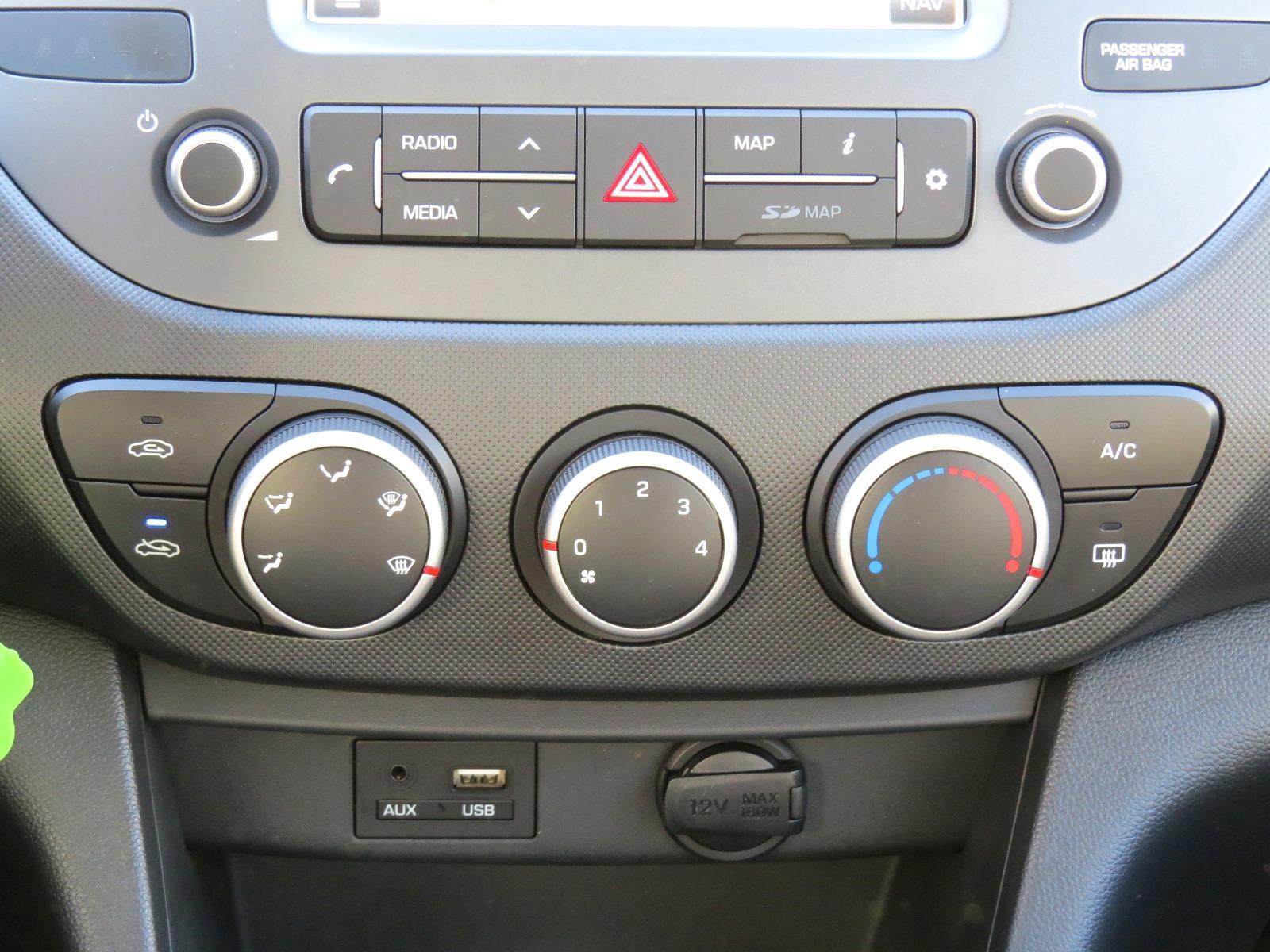 Hyundai i10 1.0 FL Navi Klimaanlage Bluetooth EU-Neuwagen Dortmund