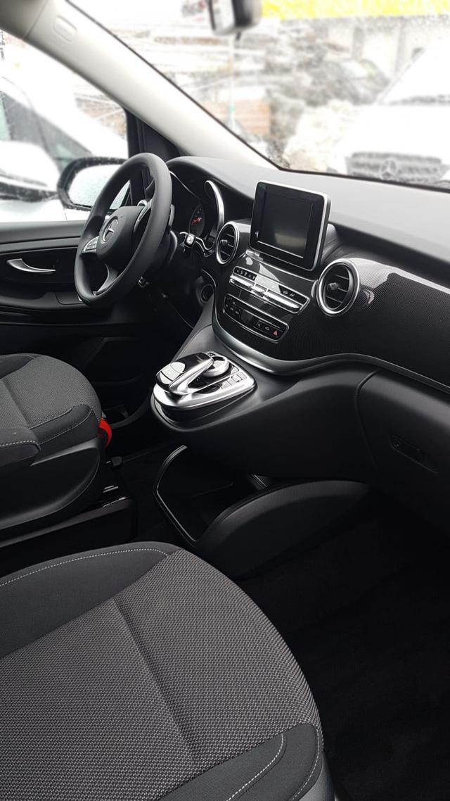 Vorlauffahrzeug Mercedes-Benz V-Klasse - 8-Sitzer extralang mit Schienensystem