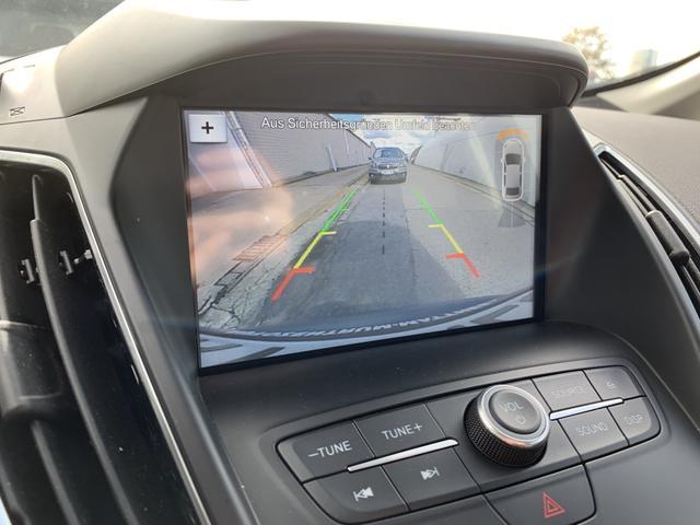 Ford C-MAX Titanium :SOFORT+ NAVI+ AutoPark+ WinterPak+ KeyFree+ KAM+ Klima