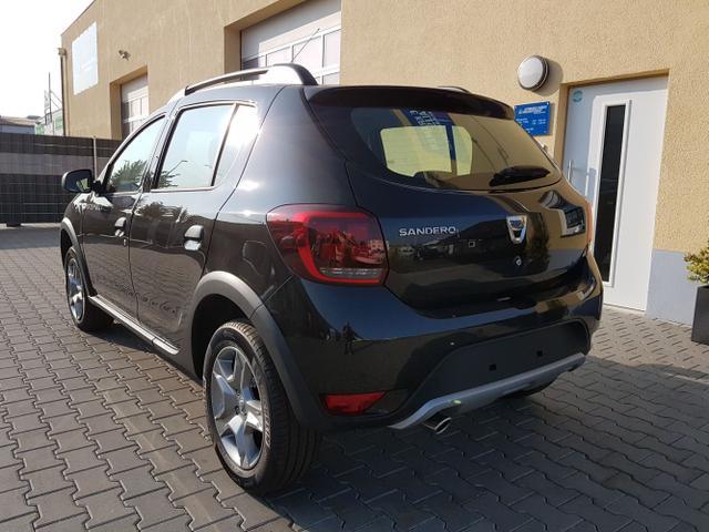 Dacia / Sandero Stepway (2) / Schwarz / Laureate  /  /