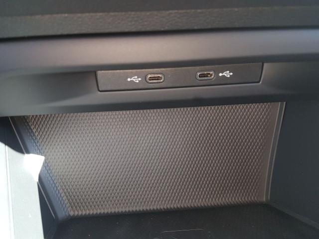 Volkswagen / Golf / Grau / Style /  /