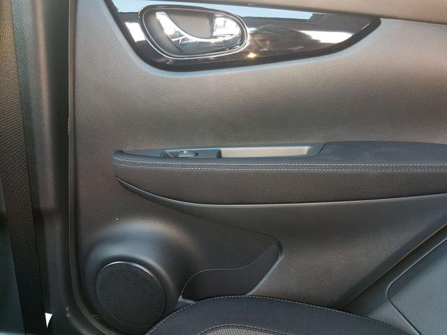 Nissan / Qashqai / Schwarz / N-Connecta /  /