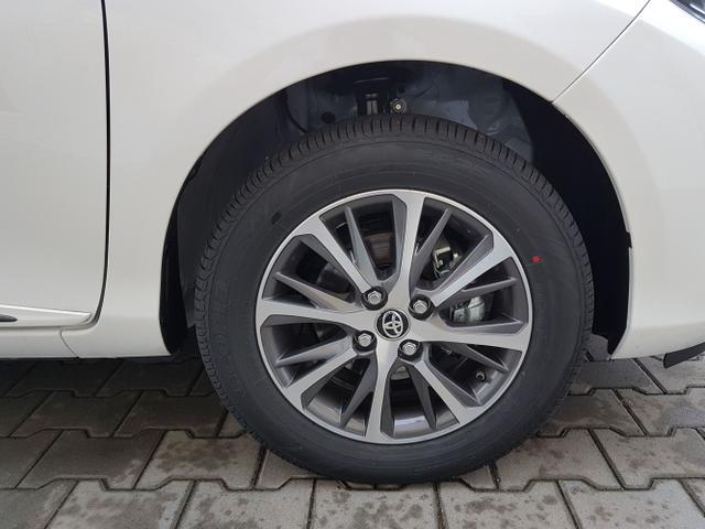 Toyota / Yaris / Weiß / Premium Comfort  /  /