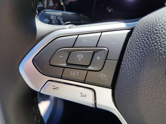 Volkswagen / Golf Variant / Grau / Style /  / Mondstein GRAU DSG