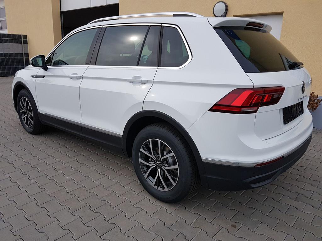 Volkswagen / Tiguan / Weiß / Life /  / DSG